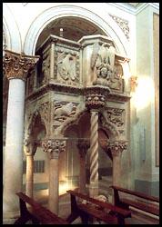 Il pulpito della Cattedrale di S. Maria Maggiore di Teggiano